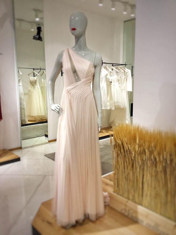 шоппер в Милане итальянские вечерние платья Милан