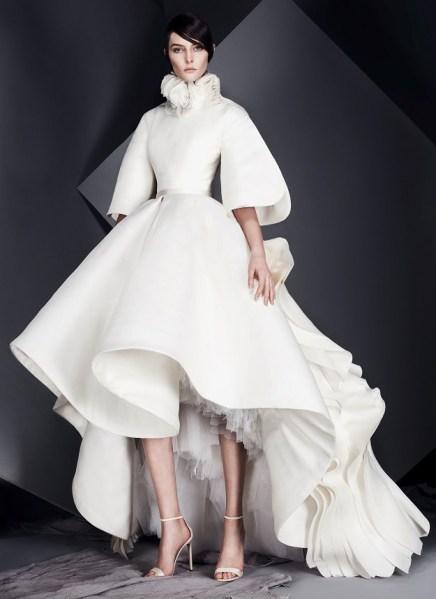 свадебное платье с объемной юбкой с воланами короткая Ashi Studio 2017