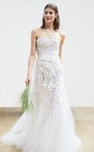 свадебное платье рыбка годе с объемной вышивкой-Oscar de la Renta Spring 2018