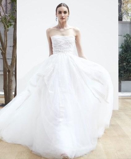 свадебное платье с пышной юбкой Oscar de la Renta Spring 2018