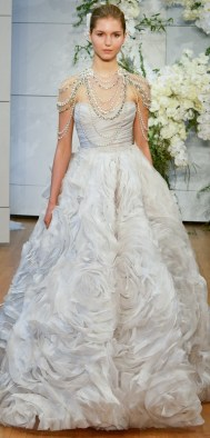 модный тренд свадебное платье с жемчугом 2018 Monique lhuillier