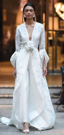свадебный наряд с брюками Sachin Babi