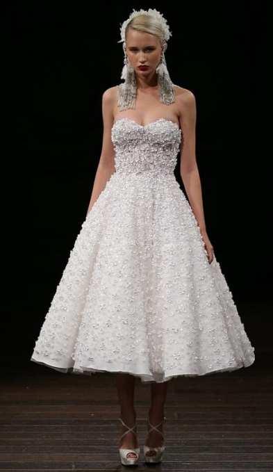 тенденция 2018 свадебное платье укороченное Naeem Khan
