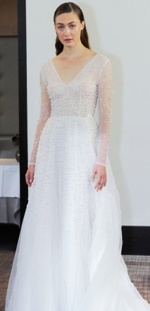 модный тренд свадебное платье с жемчугом 2018