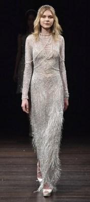 модный тренд свадебное платье с жемчугом 2018 Naeem Khan Bridal Spring 2018