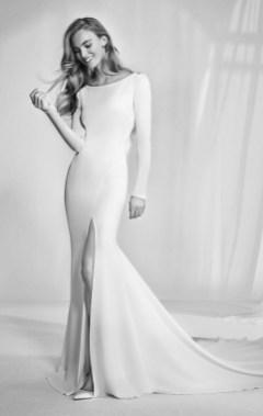 свадебное платье с разрезом Pronovias 2018
