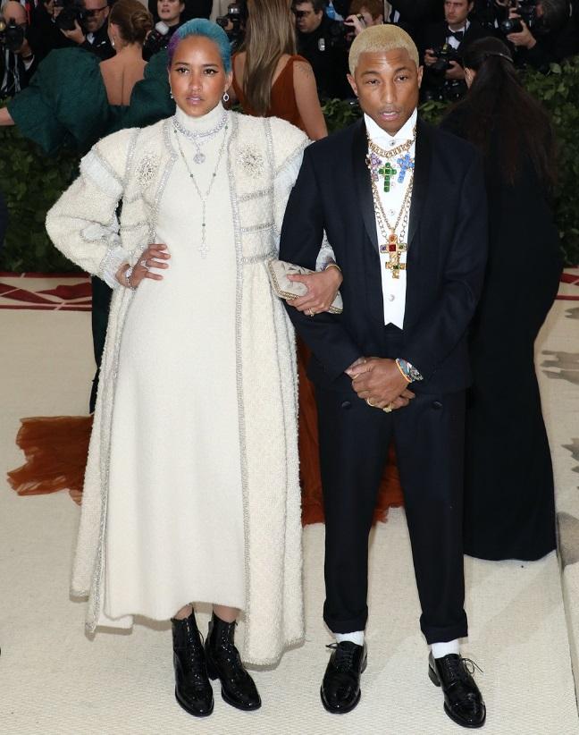 Helen Lasichanh e Pharrell Williams in Chanel