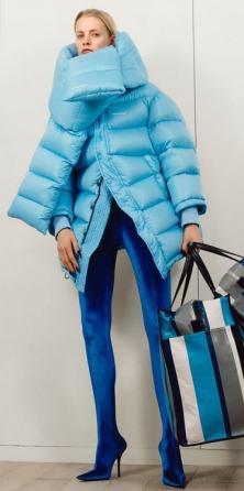 самый модный пуховик 2018 Balenciaga