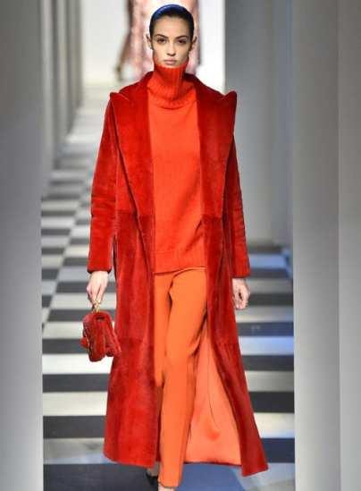 Модная цветная шуба Oscar De La Renta оранжевая