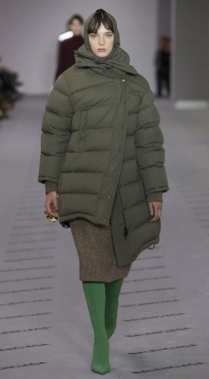 модный пуховик Баленсияга - самые модные крутые пуховики зима 2018