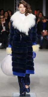 модная цветная итальянская шуба синяя Симонета Равицца зима 2017 2018
