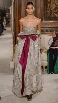 оригинальное свадебное платье Валентино с корсетом