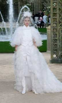 wedding dress Chanel couture 2018