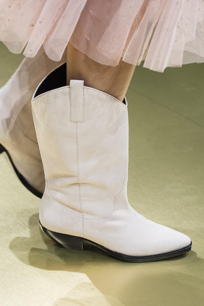 white shoes 2018 street style (14)