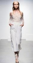 самые модные свадебные образы - свадебный наряд с брюками или комбинезон REne Arodaky