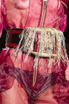barcelona тренд напоясная сумка мода весна лето 2018