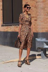 как носить модное леопардовое платье