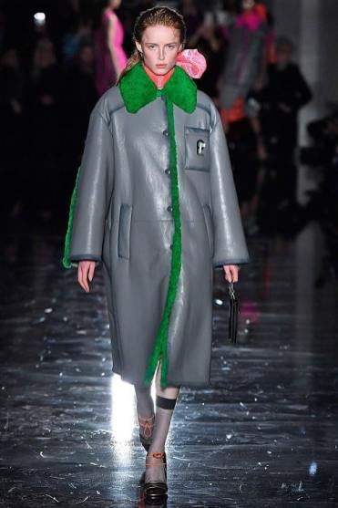 Модная дубленка Prada Italy зима 2018 2019