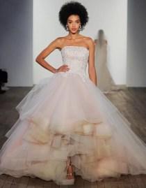 самые красивые цветные свадебные платья 2020