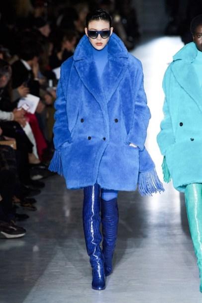 модное пальто из искусственного осень 2019