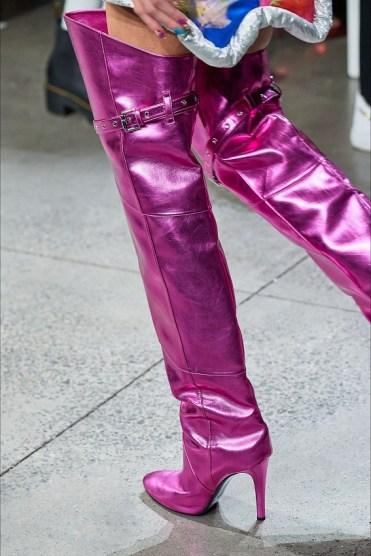 модные сапоги весна и осень 2020 - модная тенденция яркие сапоги