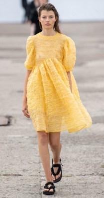 модные платья 2020 лето - тенденция короткие пышные платья