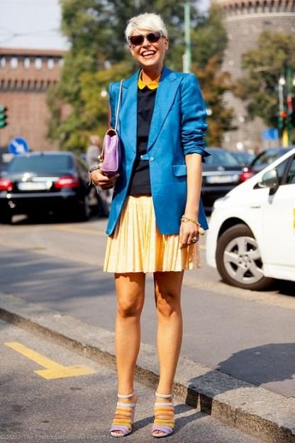 с чем носить короткую юбку плиссе желтую