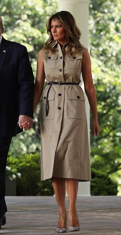 модное платье тренч на работу 2020 год Меланья Трамп