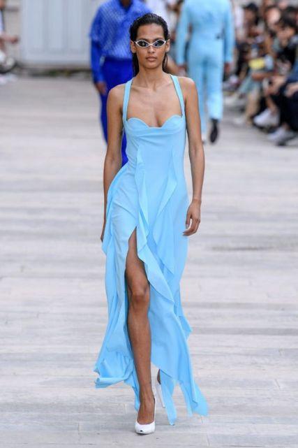 модные платья лето осень 2020 голубого цвета