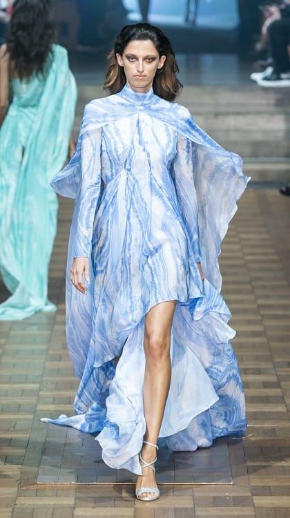 модное платье голубого цвета лето 2020
