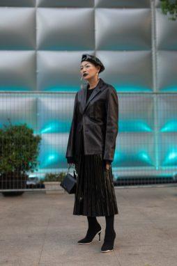 юбка плиссе 2020 фото - с чем носить плиссированную юбку ниже колена - юбка плиссе модные образы