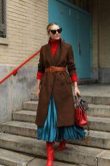 как носить юбку плиссе с пальто