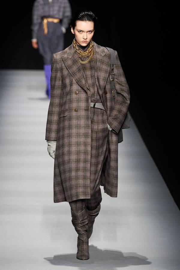 модное пальто Alberta Ferretti в клетку 2020 2021