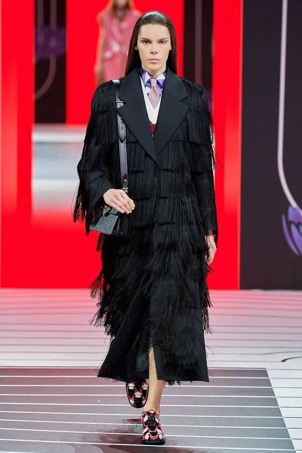 модное пальто 2020 2021 тренд бахрома