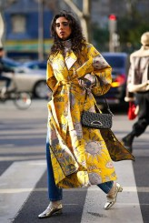 как модно носить желтый цвет года 2021