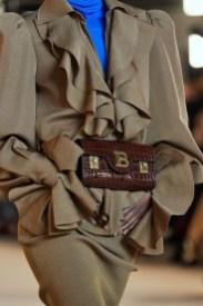 тенденции модные сумки 2020 2021 поясные сумки