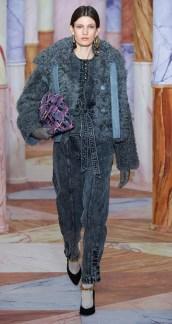 модная шуба 2020 2021 тенденция мех овчины