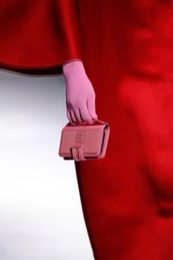 модные сумки для телефона тренд 2021 года