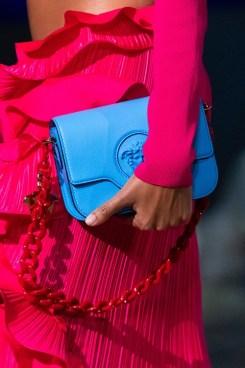 модные сумки с цепями 2021 модные тенденции