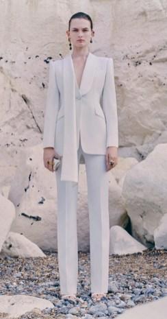 модные костюмы женские 2021 тренд брючный костюм