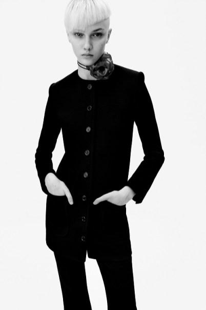модные костюмы женские 2021 тренд длинный жакет