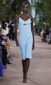 самые модные платья лето 2021 года - модные тренды платье с вырезами
