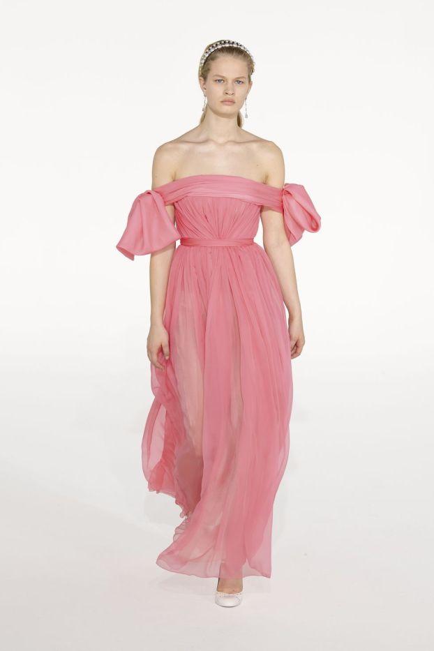 модные платья 2021 года модный тренд обнаженные плечи