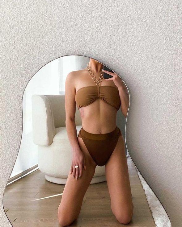 модный коричневый купальник