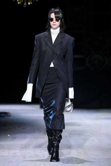 модные тренды осень зима 2021 2022 брючный костюм