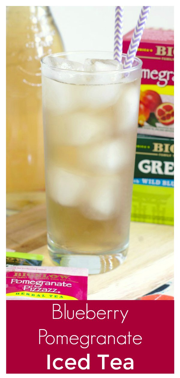 Blueberry Pomegranate Iced Tea - A light and refreshing summer drink! Two different iced teas brewed together and lightly sweetened with honey.  Iced Tea Recipe   Easy Tea Recipe   Easy Iced Tea #tea #drink #drinks #recipe #easyrecipe