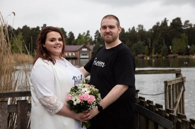 Wedding in Jeans and T-shirts