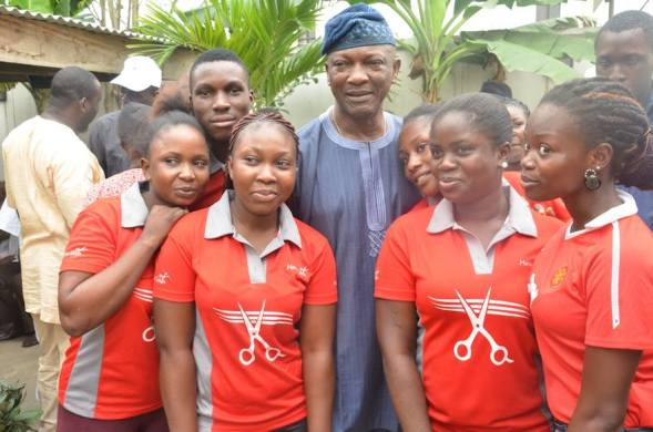 ARTISANS,OKADA RIDERS,THE HIGHLY IMPOVERISHED,THE OSTRACIZED AND OVERLY TAXED MARKET TRADERS AND BUSINESSES ARE SWINGING TO JIMMY AGBAJE!