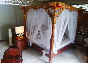 A bed bigger than the Digger Caravan
