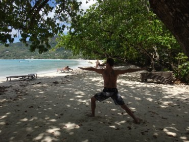 Beach yoga - Warrior 2